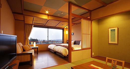 有淋浴間的現代日式日西式混合客房