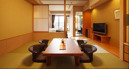 有露天浴池的現代日式日西式混合客房